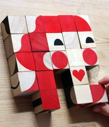 Play and build with wood