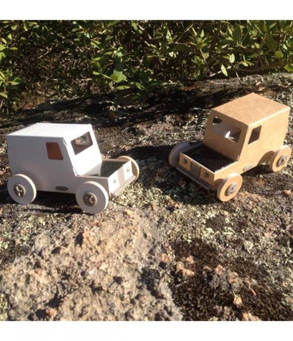 Autogami solar car toy