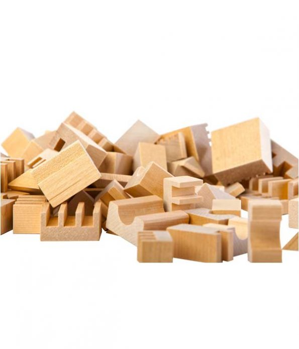 Wooden toy pieces for building