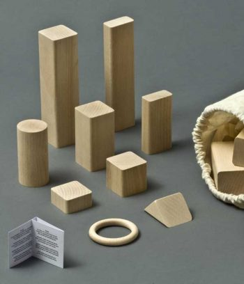 Building set made of FSC wood